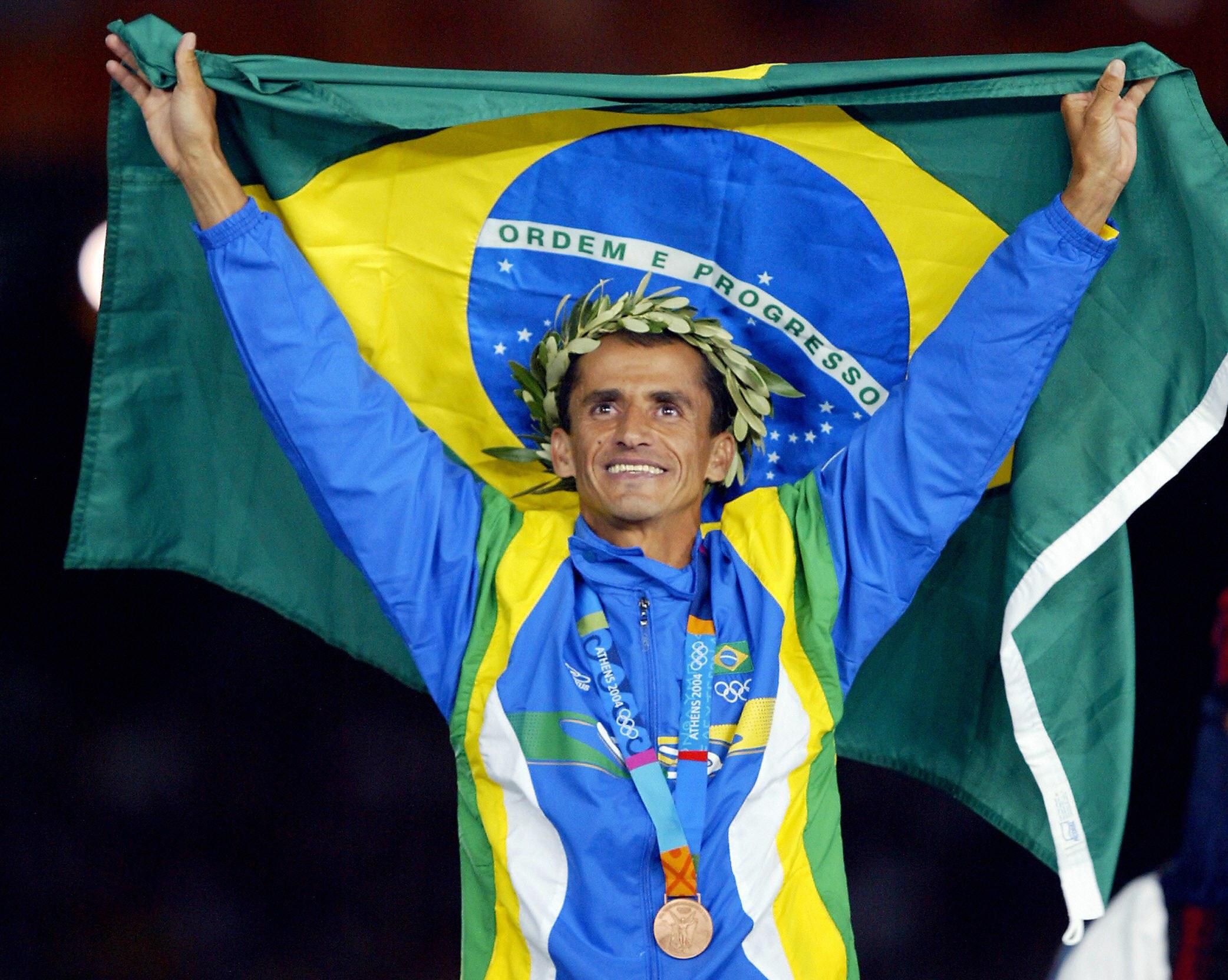 11 de Agosto - Vanderlei Cordeiro de Lima, ex-maratonista brasileiro.jpg